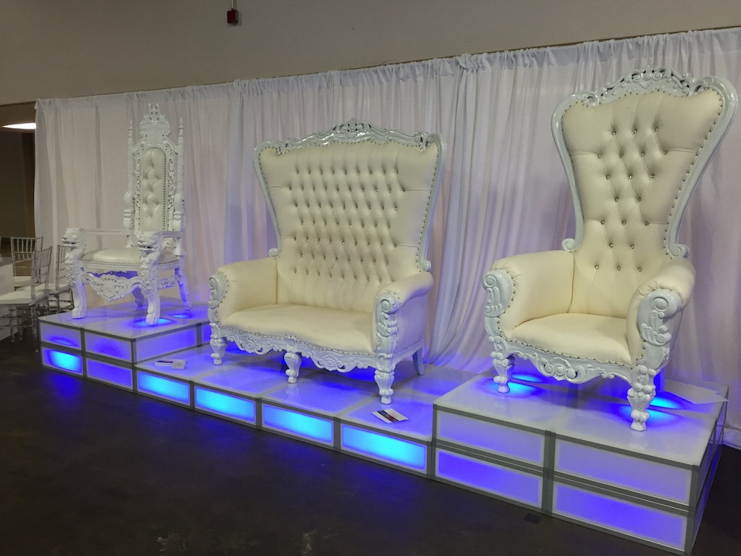 Queen:King Chairs 3